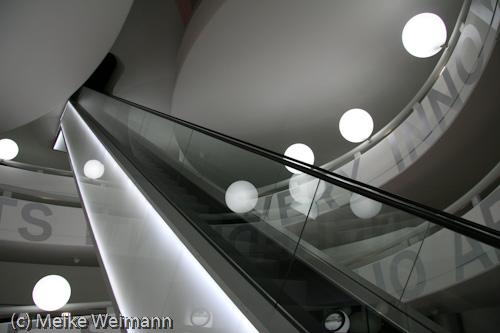 ...auf der anderen Seite von dem Rondell des alten BMW-Museums, das zu klein geworden war.